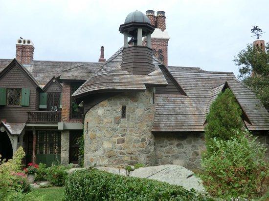Beauport, the Sleeper-McCann House : outside