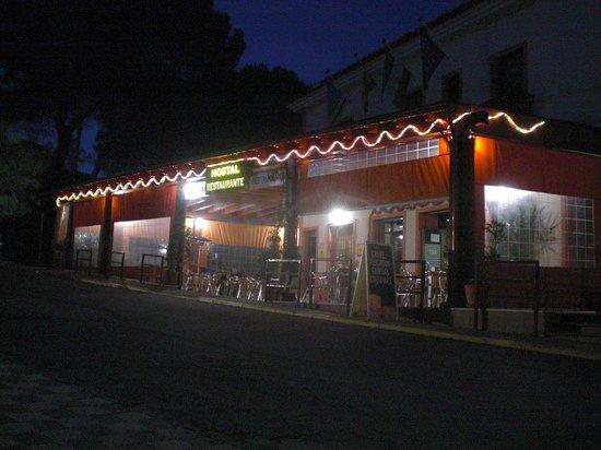 Hostal Restaurante Atalaya: The restaurant