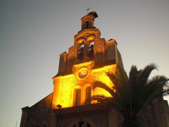 Hostal Restaurante Atalaya: The church