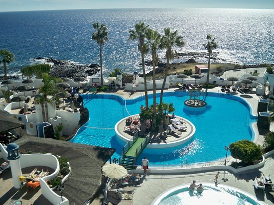 سانتا باربارا جولف آند أوشن كلوب باي دياموند ريزورتس: Pool from ocean terrace bar 
