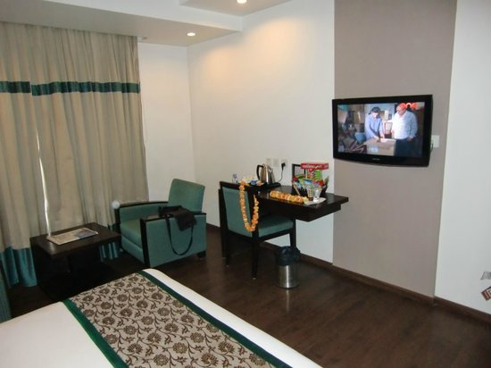 Hotel Godwin Deluxe: habitación