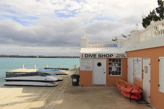 Grotto Bay Beach Resort & Spa: Dive shop