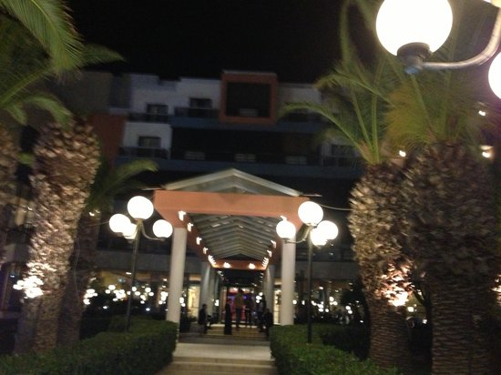 Dolmen Resort Hotel: Dolmen entrance