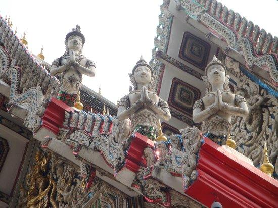 Bangkok Food Tours: Tempeldach