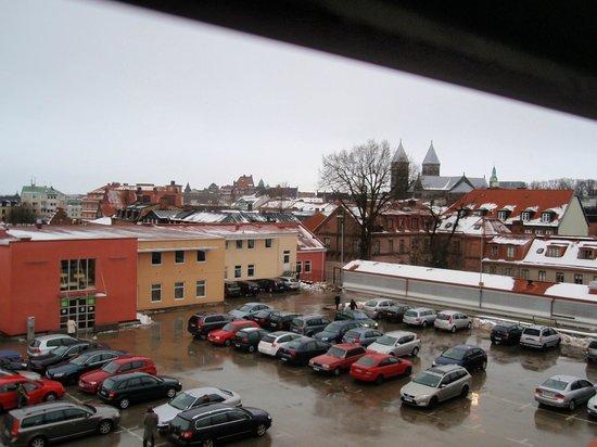 StayAt Lund: Bilen har man koll på och utsikten över Lund kommer på köpet.