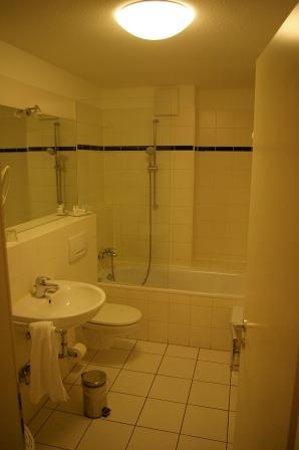 HSH Hotel Apartments Mitte: Badezimmer