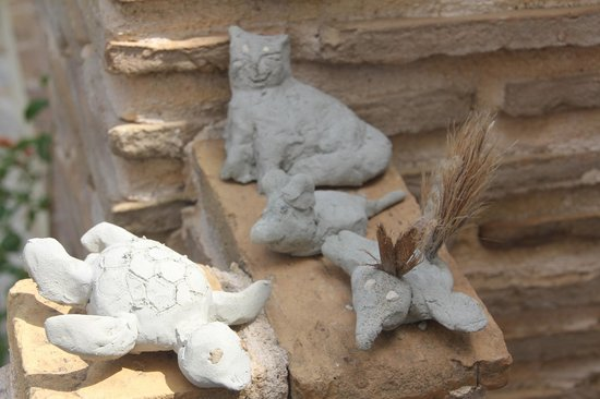 Porta del Mar Beach Hotel: clay animals made by our children