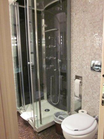 Al Viminale Hill Inn & Hotel: Ducha hidromasaje