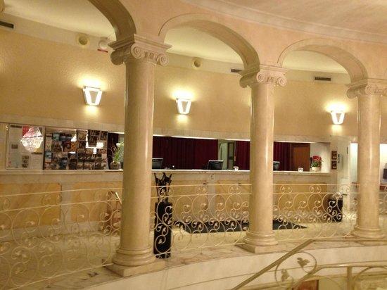 Scandic Hotel Star Sollentuna: Рецепшн