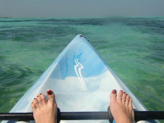 Olhuveli Beach & Spa Maldives: kayac