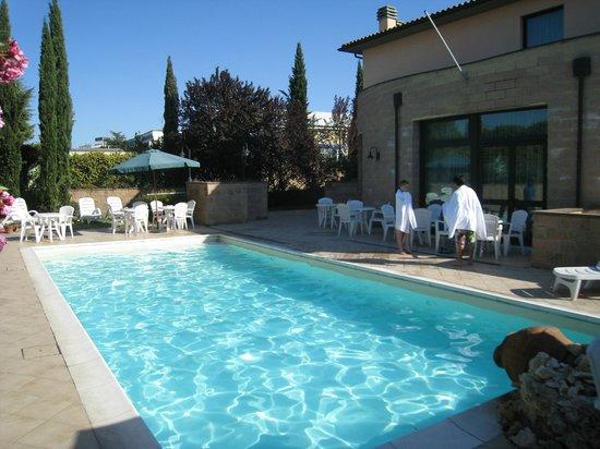 Hotel Semifonte: Pool