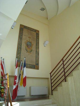 Hotel Semifonte: Stairway