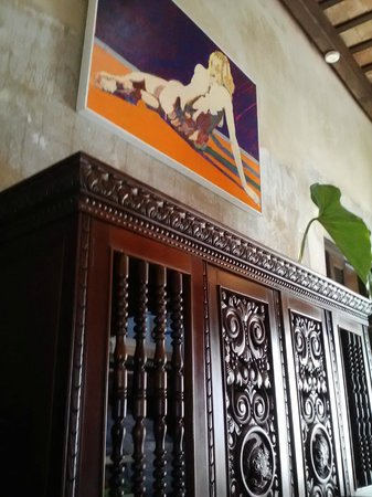 Villa Herencia : Artwork in lobby