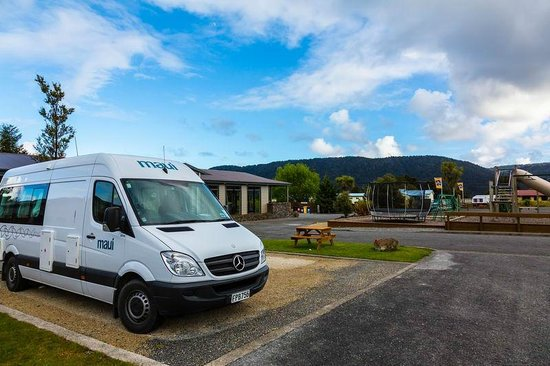 Fox Glacier TOP 10 Holiday Park: Powered campervan site