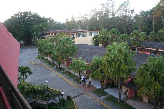 Hotel Los Helechos: Overlooking bungalows