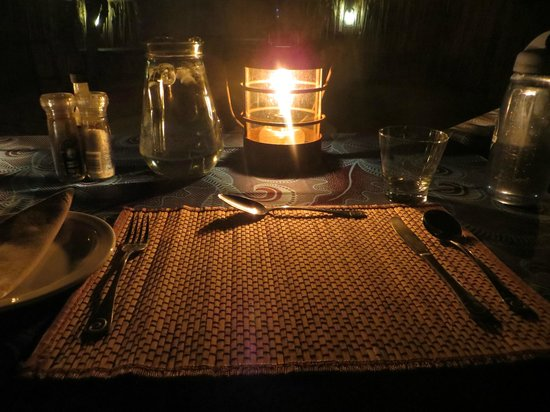 Sausage Tree Safari Camp : Outdoor dinner setting