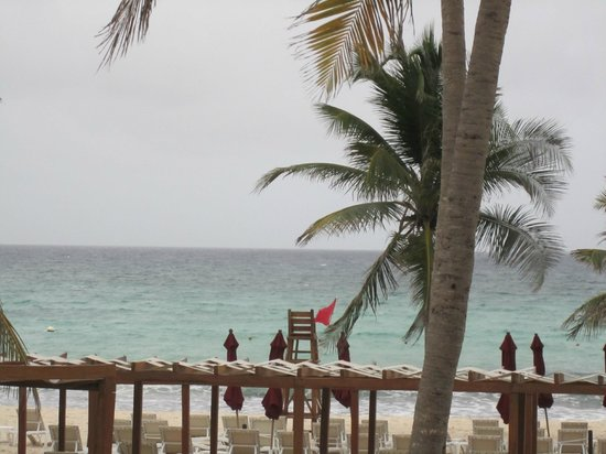 Azul Beach Resort The Fives Playa Del Carmen: View from the beach