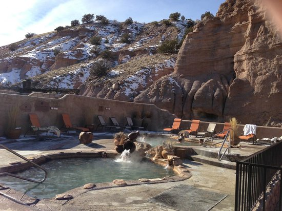 Ojo Caliente Mineral Springs Resort and Spa: Hot springs