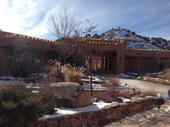 Ojo Caliente Mineral Springs Resort and Spa: Entrance to springs