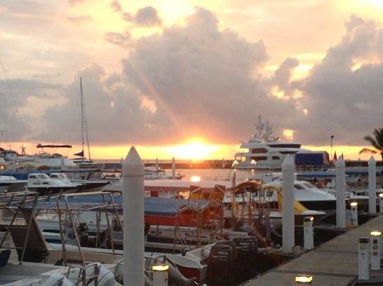 Sutera Harbour Resort (The Pacific Sutera & The Magellan Sutera): sunset over the Marina