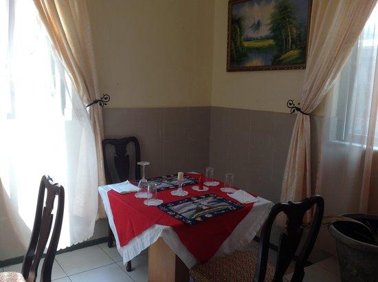 Embassy Court Hotel: Safari Restarant