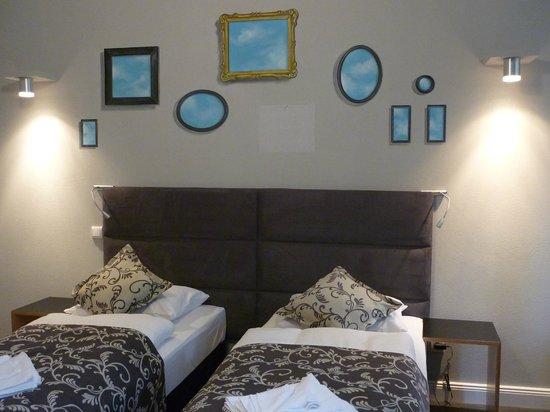 Hommage à Magritte: Zimmer