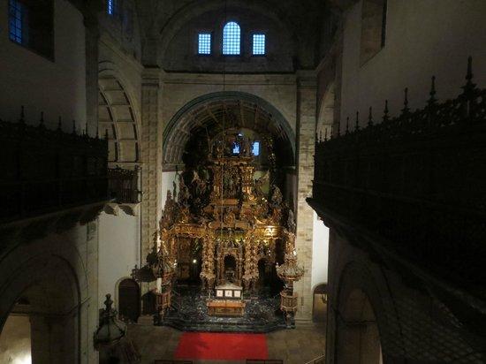 Monasterio de San Martín Pinario: The Altar from the Chorus area