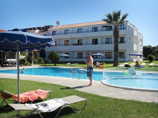 Blue Bay Deluxe Complex Rhodes Waterpark Hotel Ialissou: one of the hotels pools