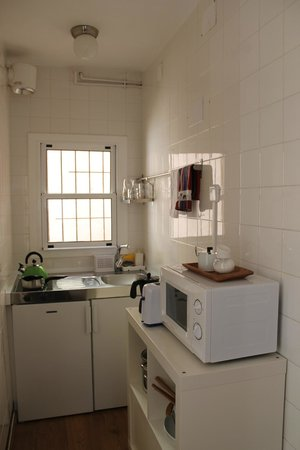 Tibidabo Apartments: Kitchen - cooking area