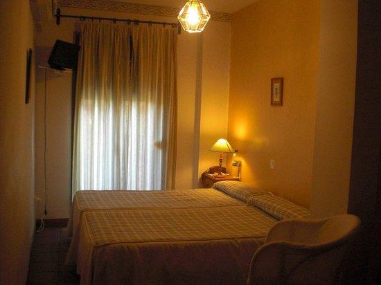 Hostal Plaza de Italia : Sfeer op de kamer