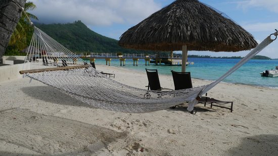 InterContinental Bora Bora Le Moana Resort: beach