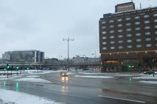 Sheraton Stockholm Hotel: View of the hotel across Slussen