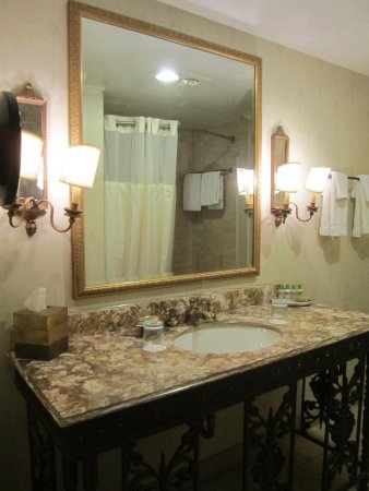 The Adolphus: bathroom