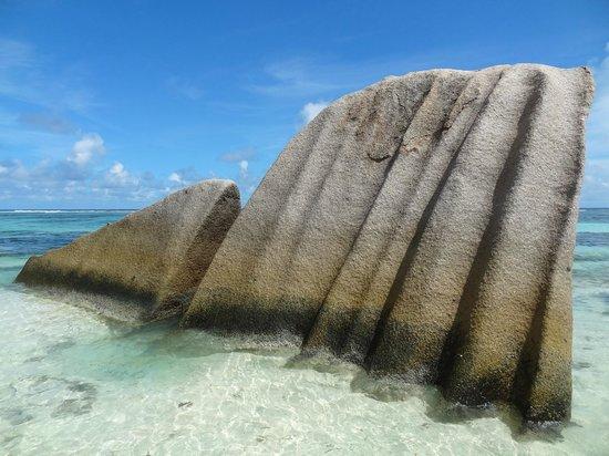 Ансе Сурс д'Аржан: Strange granite rocks