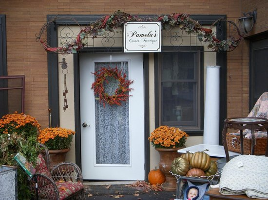 Westphal Mansion Inn Bed & Breakfast: Onsite entrance, displaying Fall & Garden items for sale