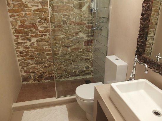 Classic Begur Hotel : Salle de bains belle et très propre