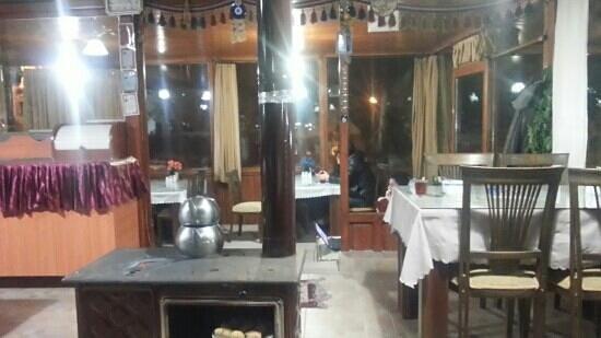 SOS Cave Hotel: 레스토랑