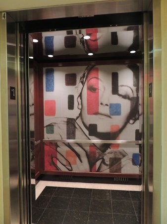 Westminster Hotel: Cool elevator
