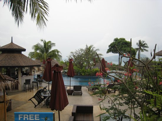 Mangosteen Resort & Ayurveda Spa: pool area