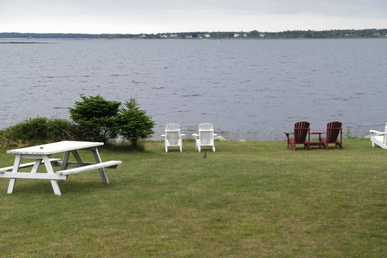 Whispering Waves Cottages: Relaxation