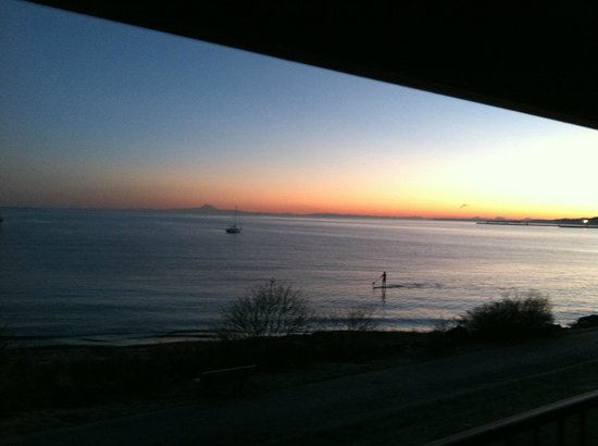 Red Lion Hotel Port Angeles: perfect room to see sunrise