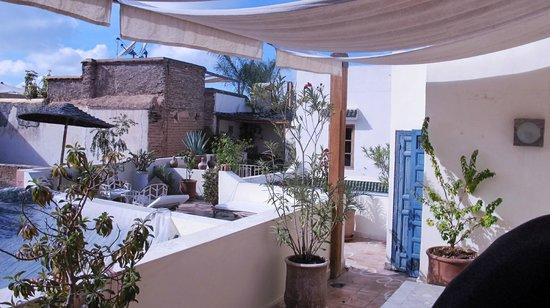 Riad Le Coq Berbere: altro passaggio per le terrazze