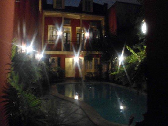 Olivier House Hotel: courtyard