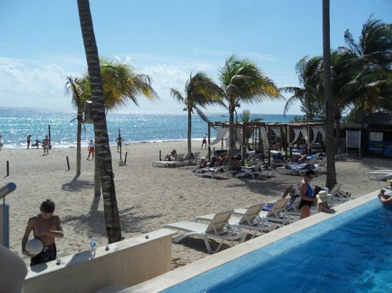 Azul Beach Resort The Fives Playa Del Carmen: Beach