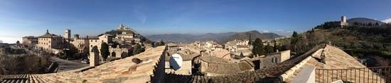 Nun Assisi Relais & Spa Museum: vista dal ns terrazzo