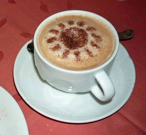 Hotel 16: Cappuchino at breakfast