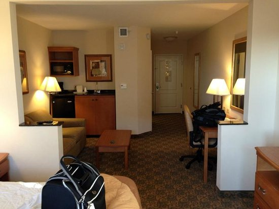 Comfort Inn & Suites Tifton: Room Overview