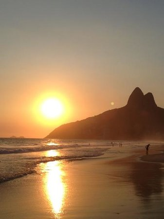 Mar Ipanema Hotel: sunset at the beach