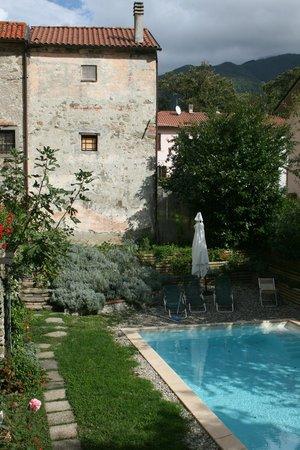 Palazzo del Duca : la piscina e il giardino