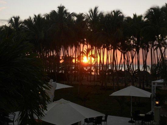 Luxury Bahia Principe Bouganville Don Pablo Collection : Atardecer en la playa